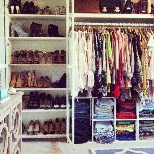 одежда много подарок праздник гардероб