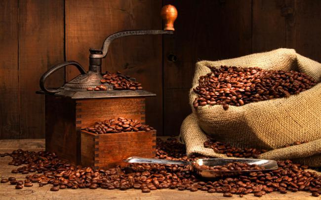 кофемолка ручная, виды кофемолок