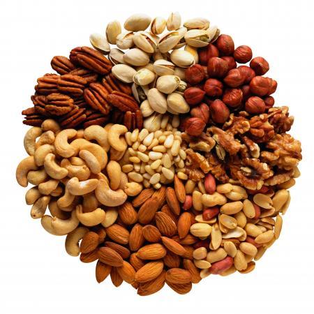 орехи, много орехов, польза