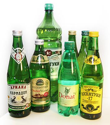 бутылки с минеральной водой