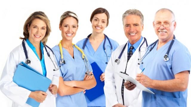 доктора, врачи, много докторов, к кому обратиться