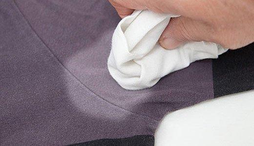 пятна на одежде от дезодоранта