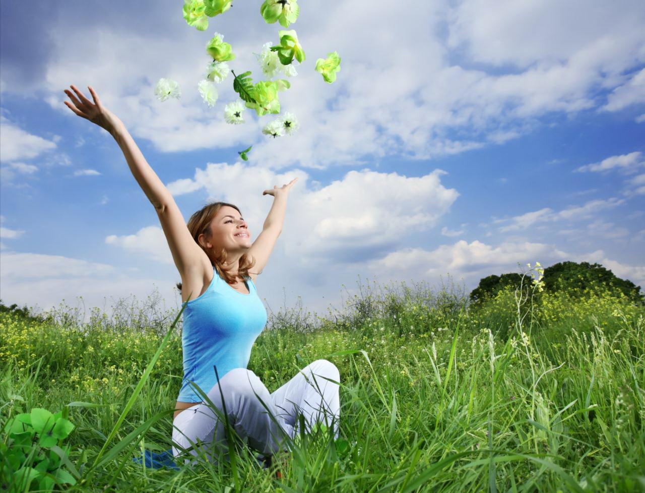 гармония, счастье жизни, девушка на траве